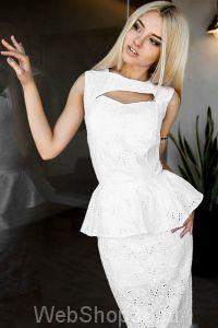 Оригинальное белое хлопковое платье футляр с баской